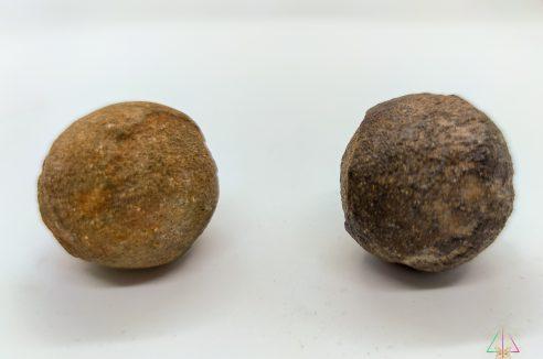 Moquis – Pierres de Chamanes – La paire 2 cm